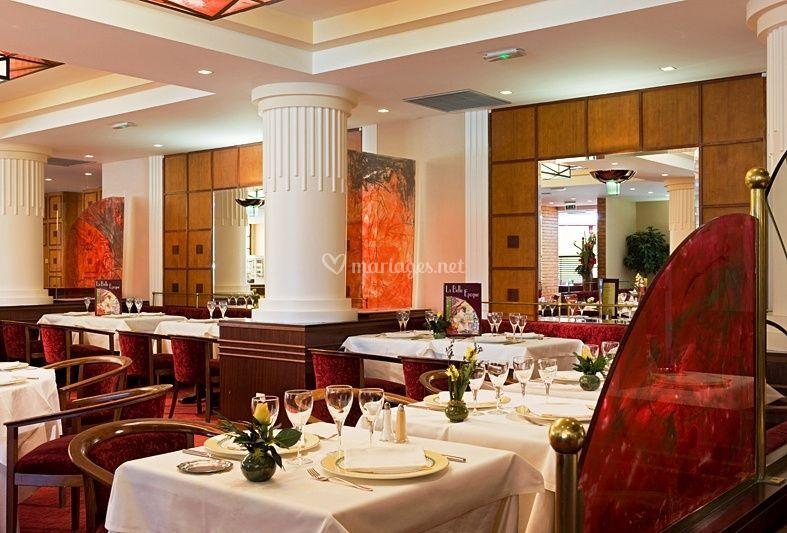 restaurant la belle epoque de h tel mercure lyon l 39 isle d 39 abeau photo 8. Black Bedroom Furniture Sets. Home Design Ideas