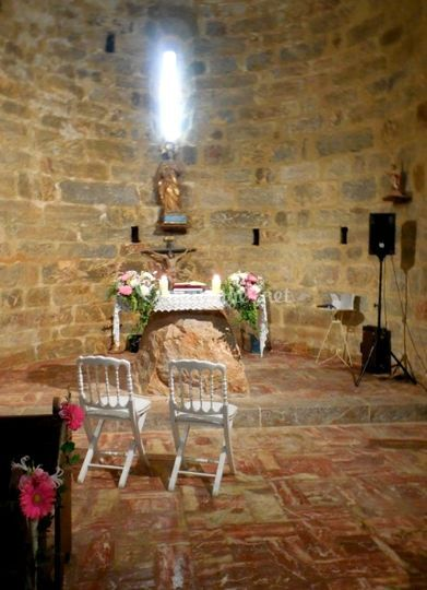 Dans une chapelle