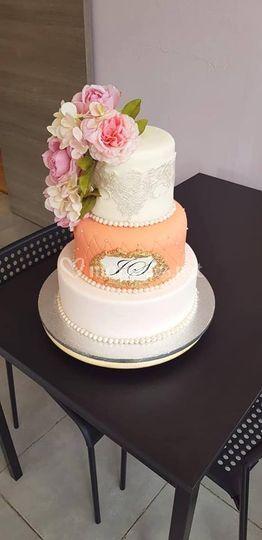 Wedding cake girly