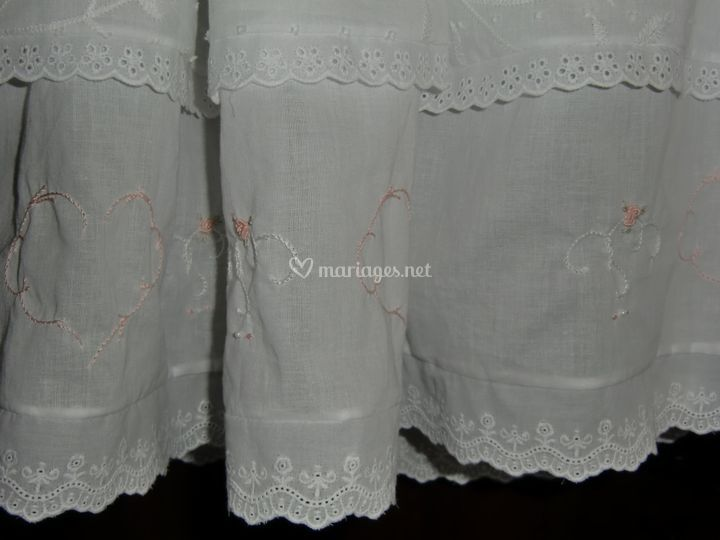 Broderie main