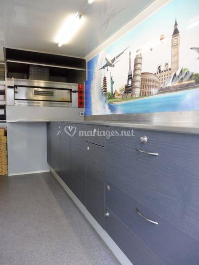 L'intérieur du food truck