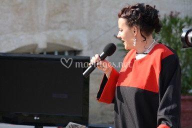 Jane sur une cérémonie chant G