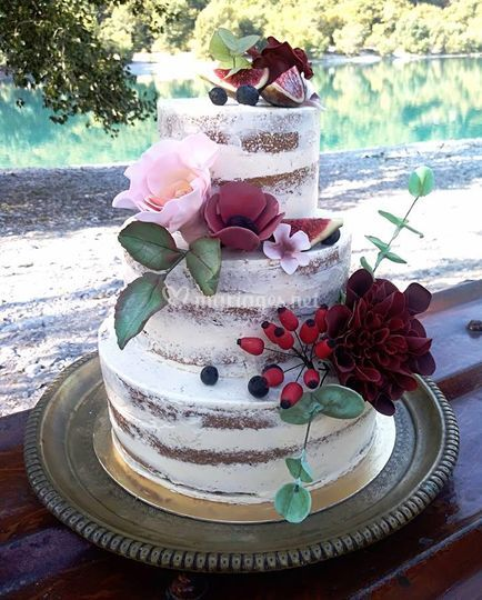 Naked cake kinfolk