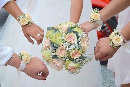 Bouquet et bijoux floraux