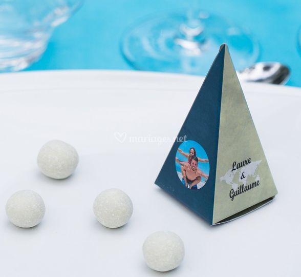 Pyramide cadeau de table