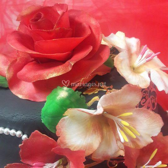 Détail fleurs en pâte à sucre