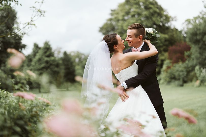 Photo de couple jardin sur Axiane Photographe