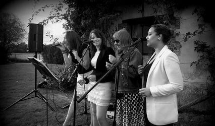 Gospel Choir Girl 1