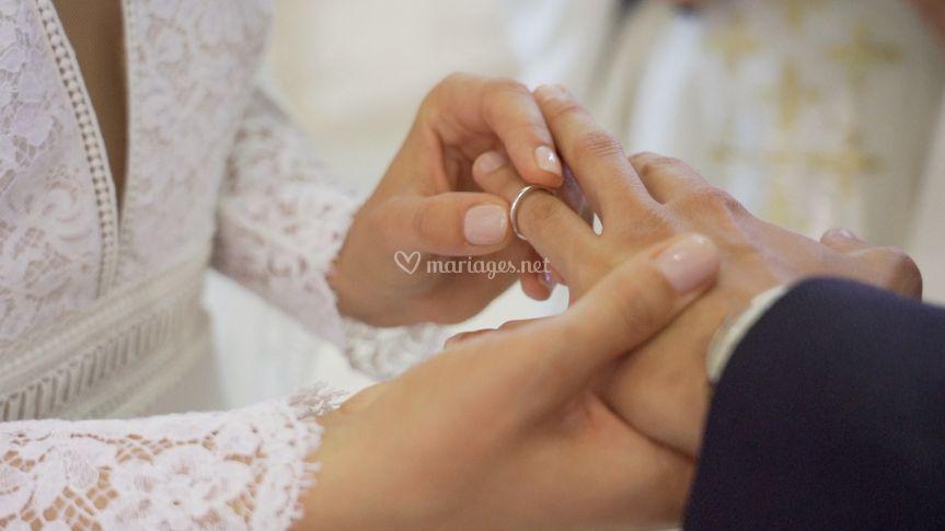Par cet anneau...