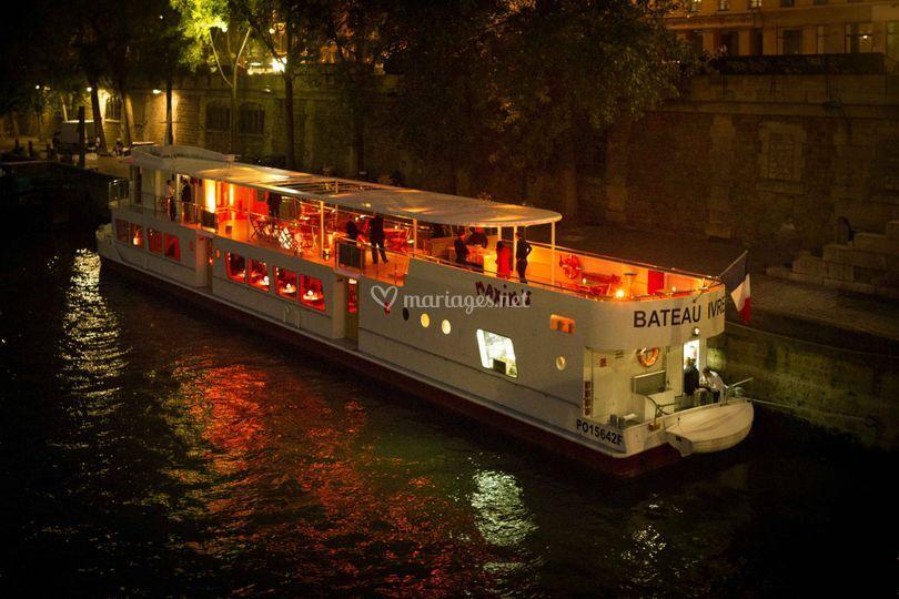 Bateau Ivre Maxim's Nuit