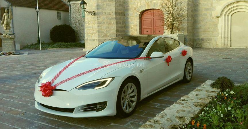 Transfer airport Tesla model S