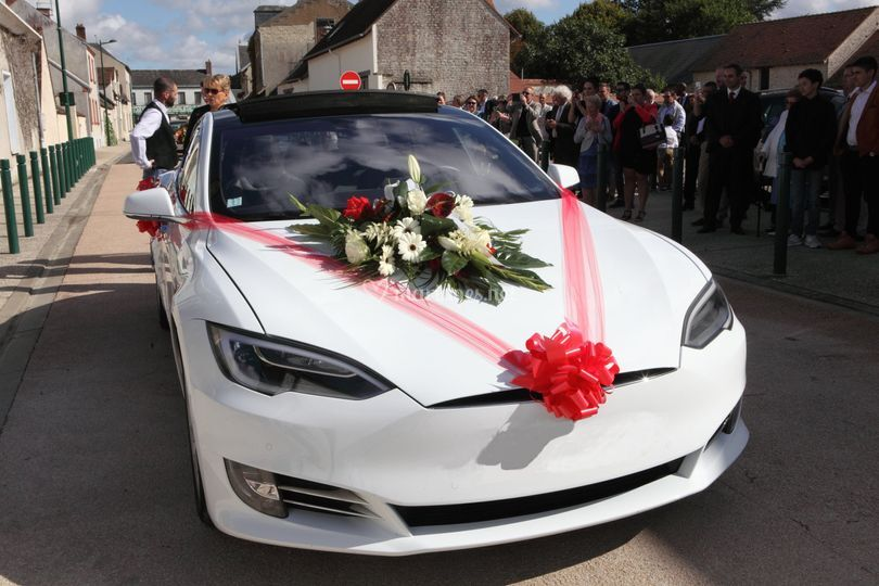 Tesla arrivée mairie