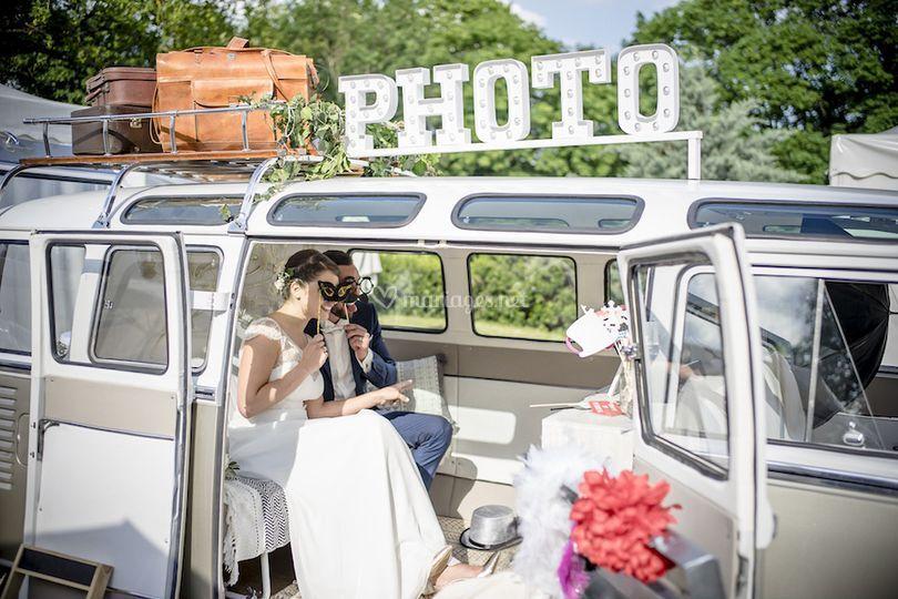 Les mariés font leur Selfie