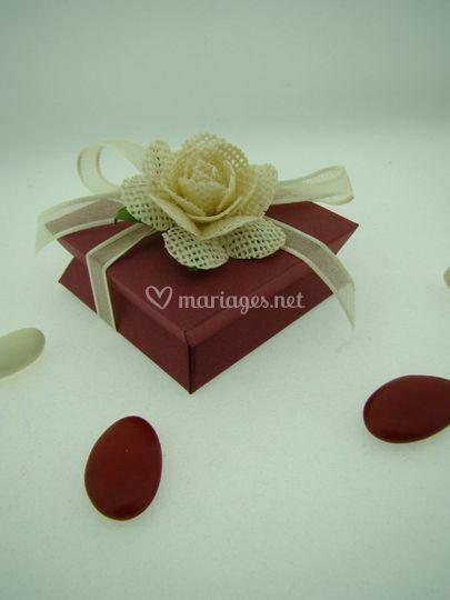 Boite bordeaux rose ivoire