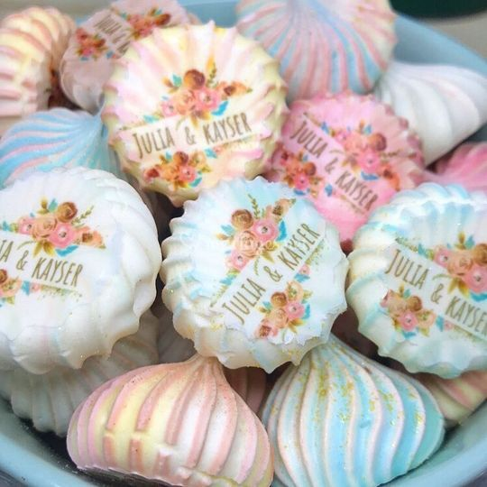Meringues colorées