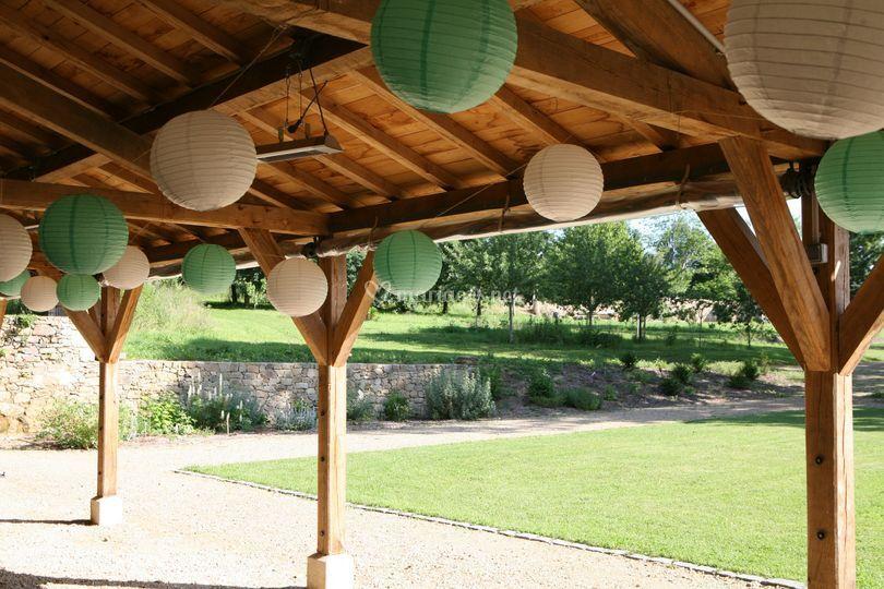 Auvent et jardin privatif