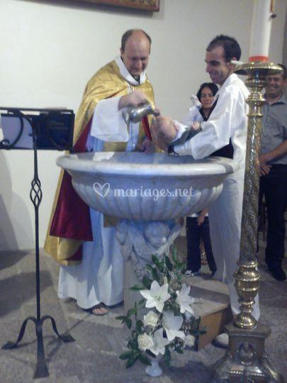 Baptême décoration lys blancs