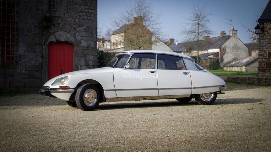 DS voiture duXXème siècle