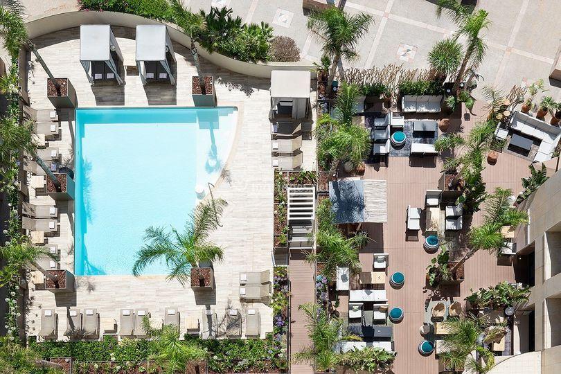 Vue piscine extérieure