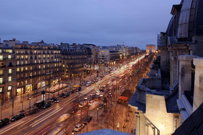 Av. des Champs-Élysées