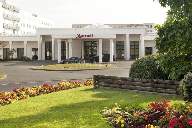 Façade Marriott CDG Airport