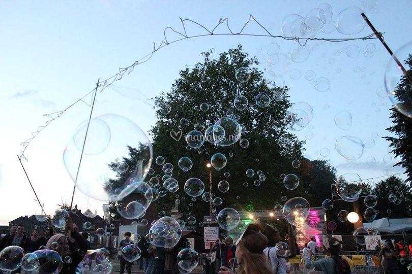 Nuées de bulles dirrigées