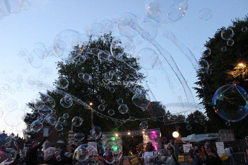 Envol de milliers de bulles