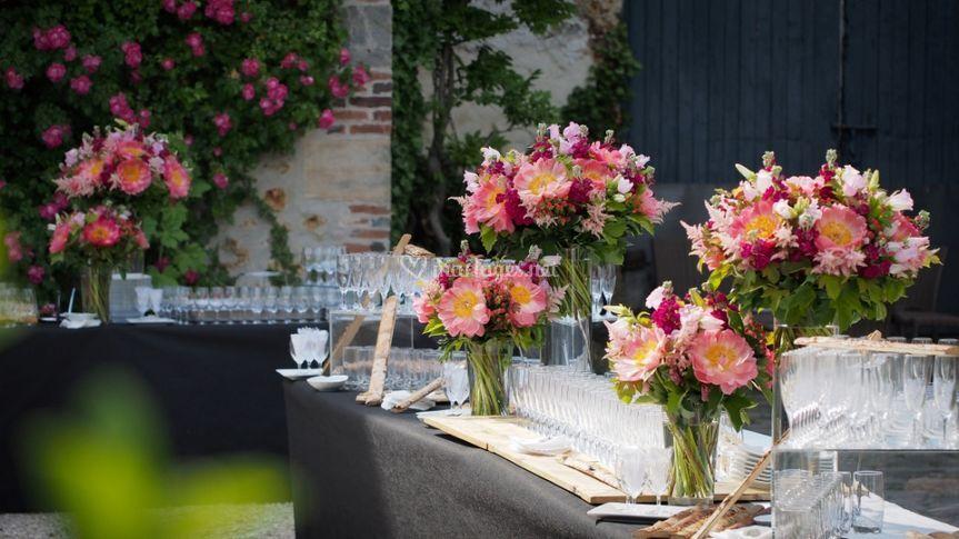 un buffet cocktail extrieur sur domaine de quincampoix - Domaine De Quincampoix Mariage