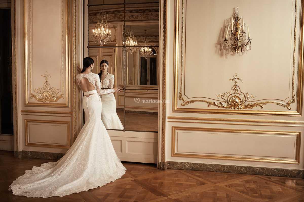 Robe De Mariee Sirene Fluide De Mae Collection Paris Photos