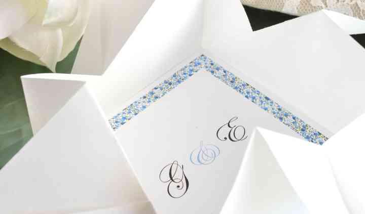 Ecrin de papier blanc