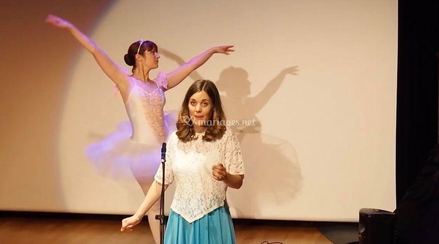 Chanteuse et danseuse