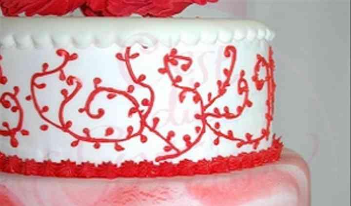 Gâteau rouge et blanc