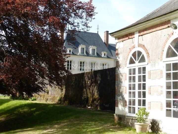 L'orangerie et le château
