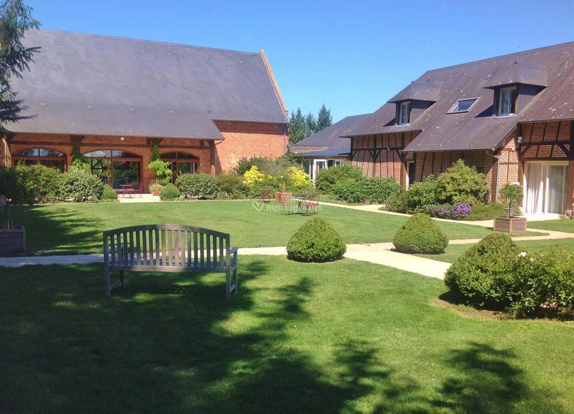 Le patio de la Grange