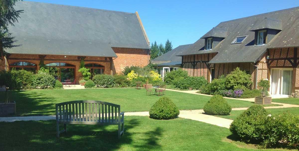 Jardin paysagé et clos