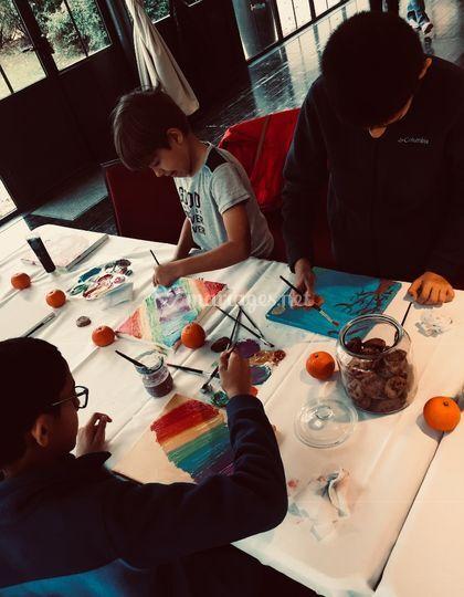 Atelier peinture sur toile.