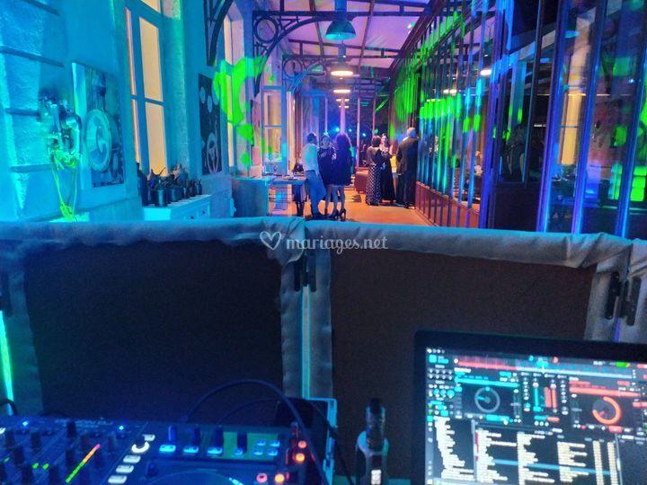 Vue de la cabine DJ