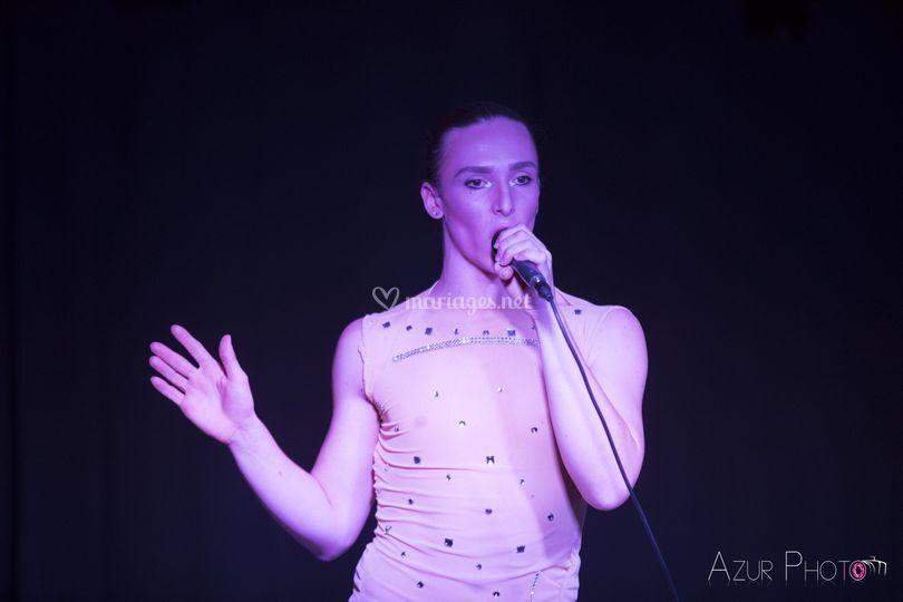 Chanteur polyvalent