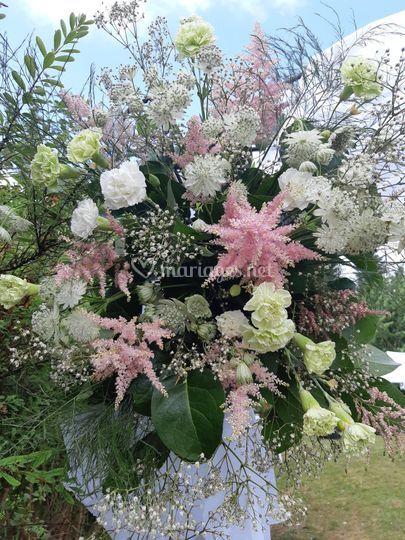 Arche fleurie bis