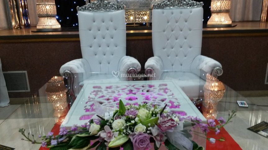 Table mariés chaises royales