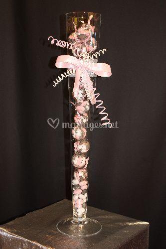 Vase avec bulles de dragées