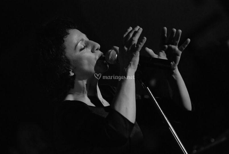 Show Edith Piaf