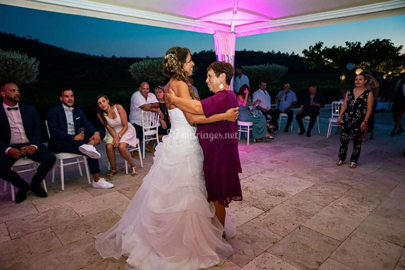 Danse avec la maman
