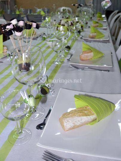 Table verte et blanche