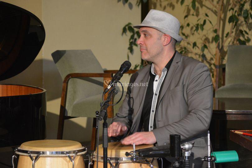 Yoann, percussions et chant