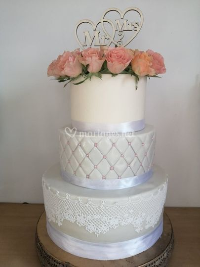 Wedding cake glam chic
