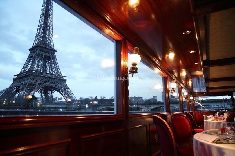 Salle vue Tour Eiffel