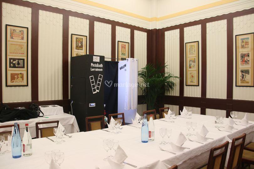 Petite salle de restaurant