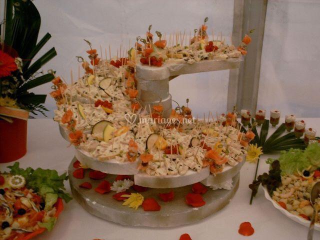 Buffet avec plat chaud de carudel traiteur photo 2 - Idee deco buffet mariage ...