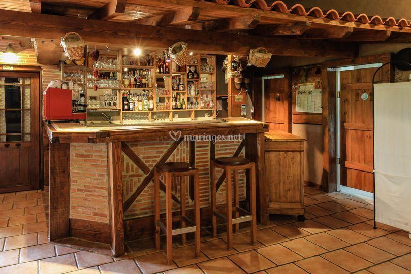 Bar équipé